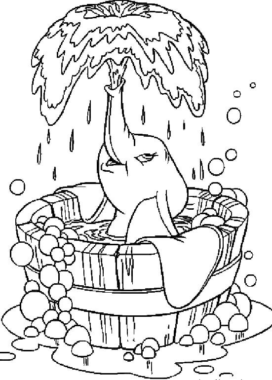 dibujos dumbo en la bañera